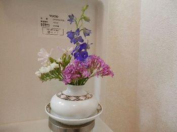 食卓の花.JPG