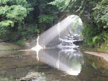 亀岩の洞窟2.jpg